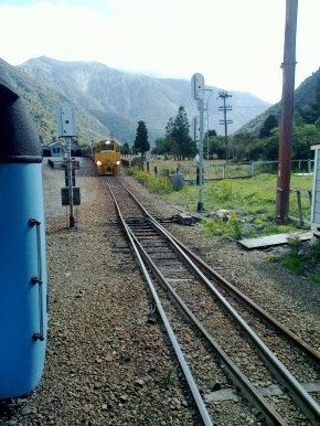passing trains at arthurs pass